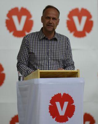 Vänsterpartiets partiledare Jonas Sjöstedt talar i Almedalen 2012